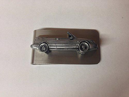 saab-93-cabrio-ref228-3d-zinn-effekt-emblem-auf-eine-atemberaubende-geld-clip