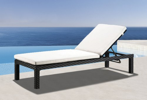 Wicker outdoor furniture chaise lounge linea black for Black outdoor chaise lounge