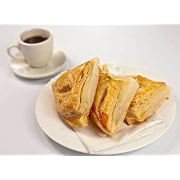 Dozen Cuban cheese pastries. Docena de pasteles de queso.