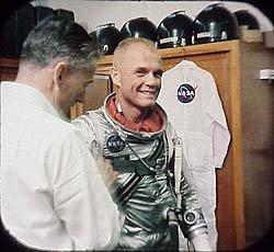 Imagen de La conquista del espacio, el Proyecto Mercury (John Glenn), aterrizaje en la Luna - 3-ViewMaster 3<br>Traducción automática                         </p>                     </div>                 </div>             </div>               <div class=