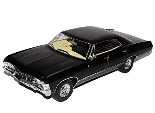 chevrolet-impala-sport-sedan-1967-limousine-schwarz-supernatural-1965-1970-1-18-greenlight-modell-au
