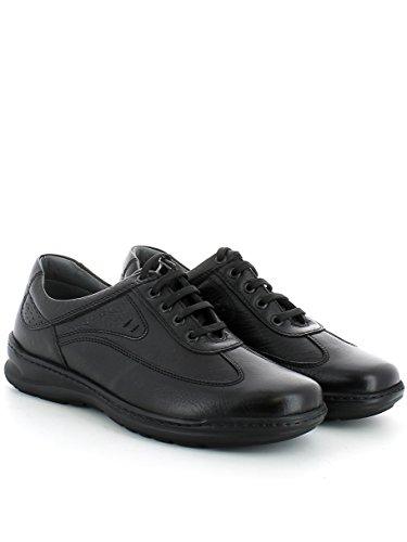 Sneaker in pelle nera con cuciture