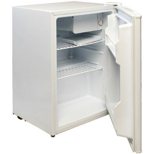 Magic Chef Compact Refrigerator Freezer front-307086