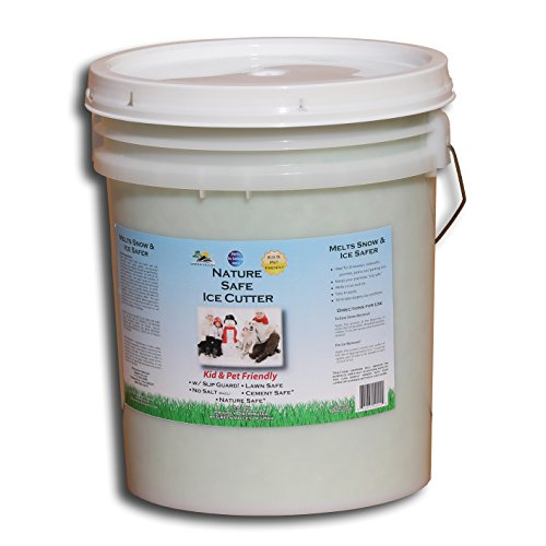 green-valley-earth-nature-safe-ice-melt-non-toxic-pet-paw-safe-5-gallon