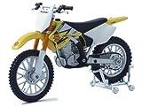 1:18th Suzuki RM-Z250