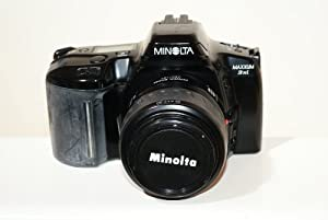 Minolta Maxxum Dynax Auto Focus 3xi SLR camera body with 35-80mm lens
