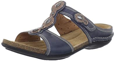 438abbfcc57 Crocs Women s 14391 Walu Canvas Loafer