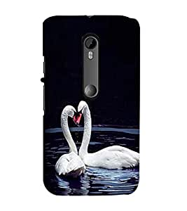 Fuson Premium Back Case Cover Cute Swans in water With Yellow Background Degined For Motorola Moto G3::Motorola Moto G (3rd Gen)