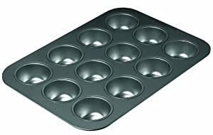 Chicago Metallic Non Stick 12 Cup Muffin Pan by CHICAGO METALLIC