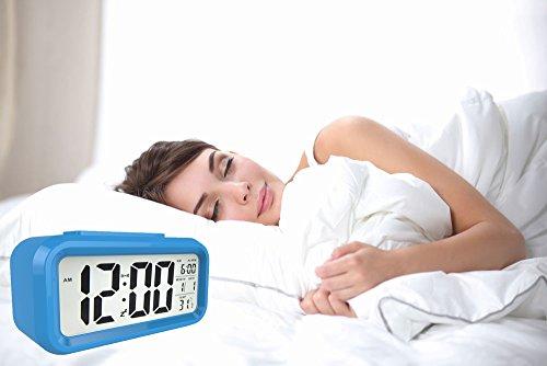 Gloue digital alarm clock battery operated bedroom clock for Bedroom temperature
