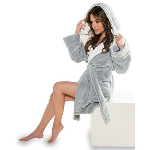 Trendiger Kapuzen-Bademantel für Damen in modernen Farben