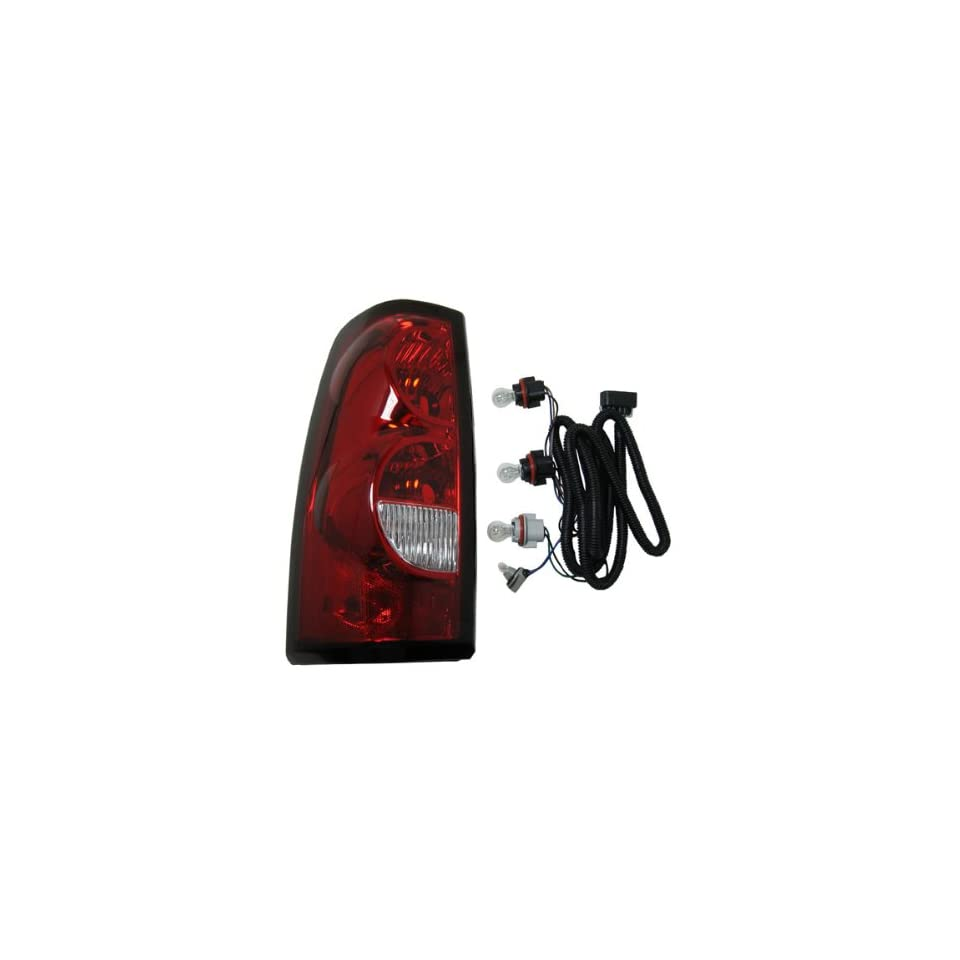 2004 2007 Chevrolet/Chevy Silverado 1500 2500 3500 Full Size Pickup Truck (Fleetside Models Except 3500 Dually) Taillight Taillamp Rear Brake Tail Light Lamp (with dark trim) Left Driver Side (2004 04 2005 05 2006 06 2007 07)