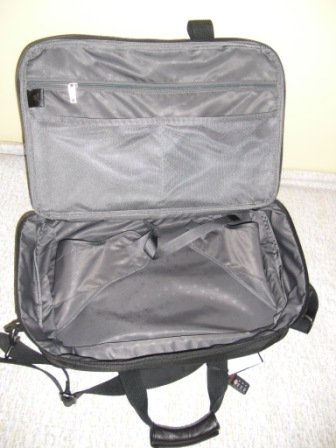 Tumi New TUMI Expandable Carry-on (22141 D4)