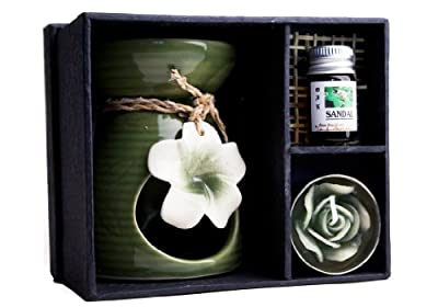 Lily Ceramic Oil Burner Gift Set With Sandalwood Oil 10cm X 8cm by TheGermanMarket.co.uk - Incense, Candles and Burners.