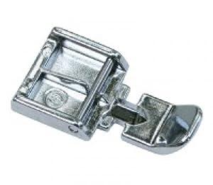 Pied de biche fermeture a glissiere pour machine a coudre for Machine a coudre toyota rs2000