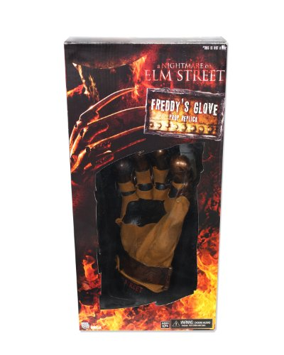 A Nightmare On Elm Street - Freddy's Glove - Neca