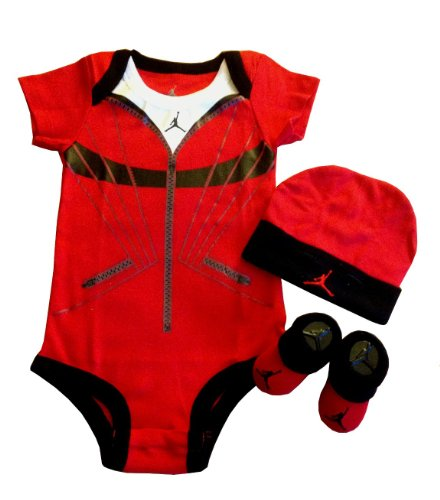 Nike Jordan Infant Layette 3 Pcs Set and Cell Phone Anti-dust Plug