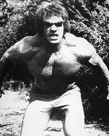"LOU FERRIGNO AS THE INCREDIBLE HULK FROM THE INCREDIBLE HULK #2 - BLACK & WHITE Movie Photo- LARGE wall POSTER Size Print - SIZE 25x20"" (60x50cm)"