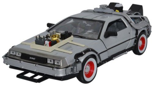 welly-back-to-the-future-3-delorean-time-machine-1-24-scale