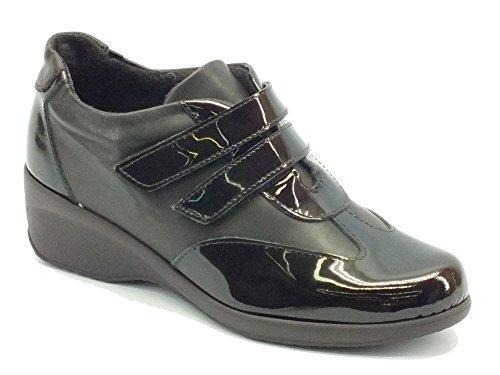Sneakers Cinzia Soft per donna in pelle verniciata lucida testa di moro doppio velcro (Taglia 38)