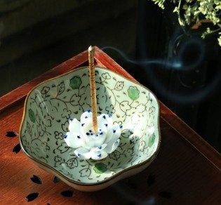 Quemadordeinciensorecipientesoporte Blanco Flor viñas