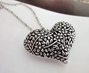 Retro Halskette mit Herzform in Silber -Anhänger (3103) - lange Retro Halskette Kette im Retro-Stil mit schönem Deco Herz in Silber -Anhänger mit Blumen verziert