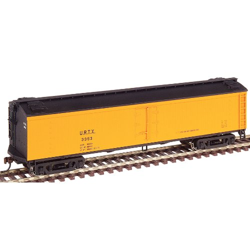 Walthers HO Scale 50' GACX Wood Express Reefer With GSC Trucks - Ready to Run - Union Refrigerator Transit (Orange)