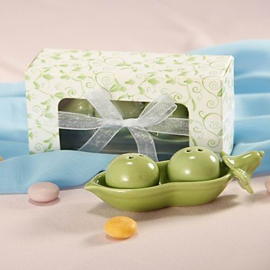 Two Peas In A Pod Salt & Pepper Shakers Favors (Peas In Pod Salt compare prices)