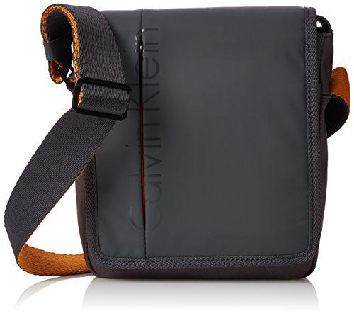 Calvin Klein Accessori - Logan Reporter With Flap, Borse da uomo, castlerock  20, OS