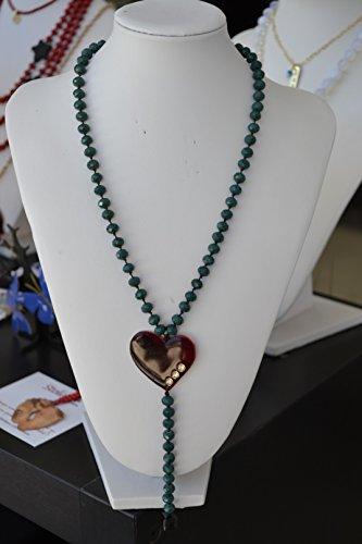 rozario-handgemachte-halskette-mit-grunen-kristall-und-handgemachte-herz-aus-messing-gefarbt-mit-kal