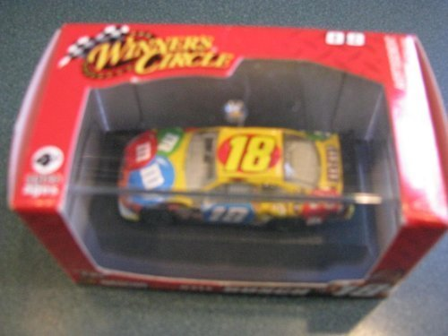 2009-kyle-busch-18-toyota-camry-1-87-scale-car-of-tomorrow-today-cot-with-acrylic-display-case-by-wi