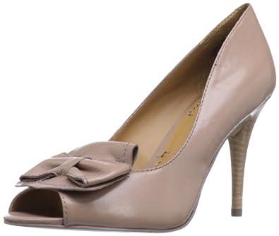 Nine West Women's Seamlesoul Peep-Toe Pump,Natural Leather,5 M US