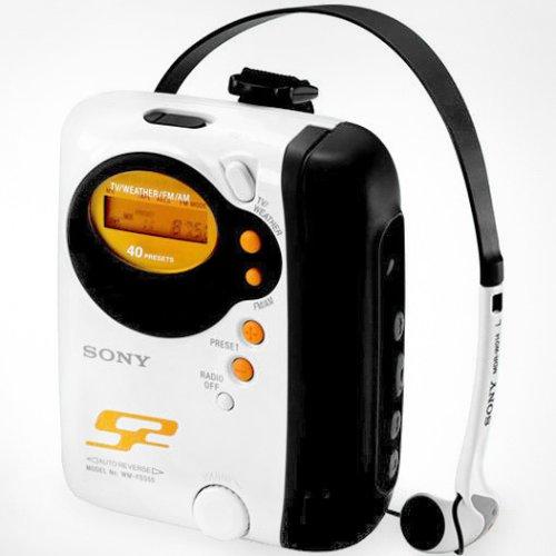 Sony S2 Sports Walkman WM-FS555 - Radio / cassette player - white