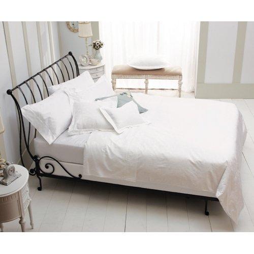 iron sleigh bed