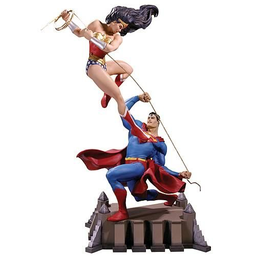 Picture of DC Comics Wonder Woman vs. Superman Statue Figure (B000JKMZGS) (Superman Action Figures)