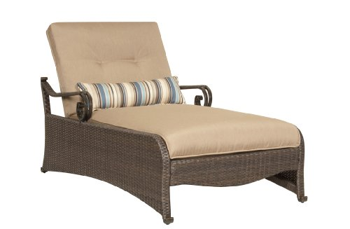 Hot lake como chaise with lumbar pillow by la z boy for Best price chaise lounge