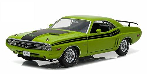GreenLight 1971 Dodge Challenger HEMI R/T  Green Go (1:18 Scale) Vehicle (Greenlight Dodge Challenger compare prices)