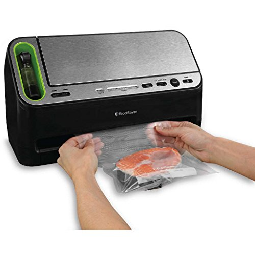 FoodSaver 4400 Series 2 in 1 Vacuum Sealer (Black) (Foodsaver Vacuum Sealer 4400 compare prices)