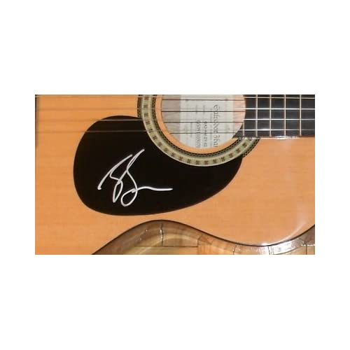zac brown band signed autograph full acoustic guitar sports memorabilia sports. Black Bedroom Furniture Sets. Home Design Ideas
