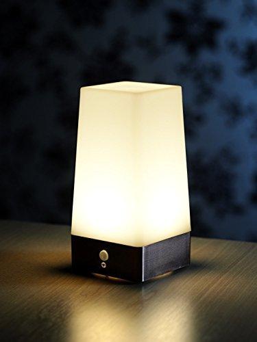 Auraglow-batteriebetriebene-Nachtlicht-LED-Tischlampe-mit-kabellosem-PIR-Bewegungssensor-warmwei