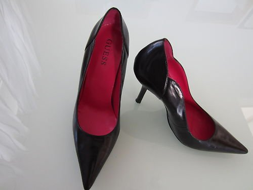 High-Heels-High-Heels-Pumps: Guess Pumps Schwarz/Violett (Neu) Gr. 37 (B-Ware)