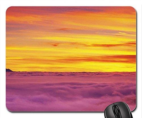 mont-baker-peaking-nuages-au-dessus-de-la-souris-tapis-de-souris-tapis-de-souris-cours-deau