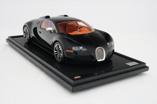 Bugatti Veyron(ブカッティ ヴェイロン) Sang Noir  1/8スケールモデル