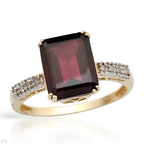Yellow Gold 3.27 CTW Rhodolite Garnet and 0.03 CTW Accent Diamond Cocktail Ladies Ring. Ring Size 7. Total Item weight 2.6 g.