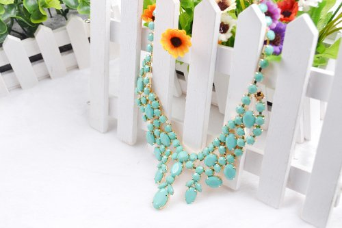 Fashion Green Resin Beaded Charm Necklace Pendant Necklace