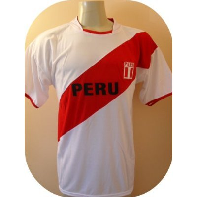 PERU # 9 GUERRERO SOCCER JERSEY SIZE LARGE. NEW.