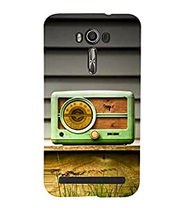 Snapdilla Unique Different Pattern Vintage Old Radio Cute Mobile Cover for Asus Zenfone 2 Laser ZE500KL