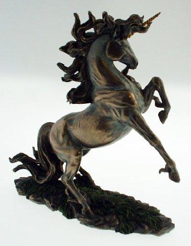 Peint--la-main-en-forme-de-licorne-dlevage-Statue-Figurine