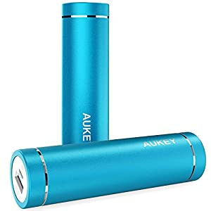 AUKEY Bateria externas 5000mAh, Power Bank, Cargador 5V/2A con AIPower Tech para iPhone, iPad, iPod, Smartphone, MP3, MP4, PSP, GPS, Samsung Android Azul