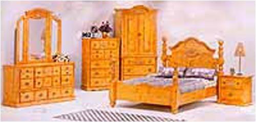 Solid Pine Queen Post Bedroom Set